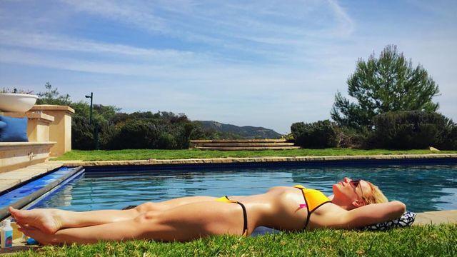 Бритни Спирс произвела фурор снимком в купальнике (фото)