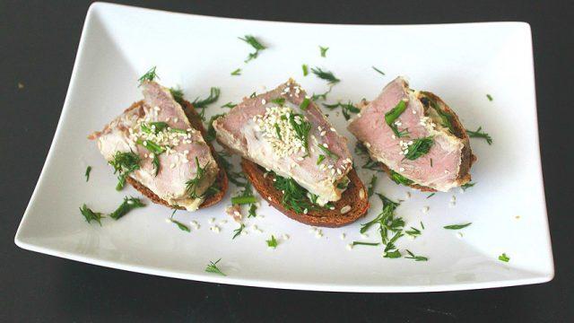 Датский бутерброд с индюшиной (куриной) нарезкой