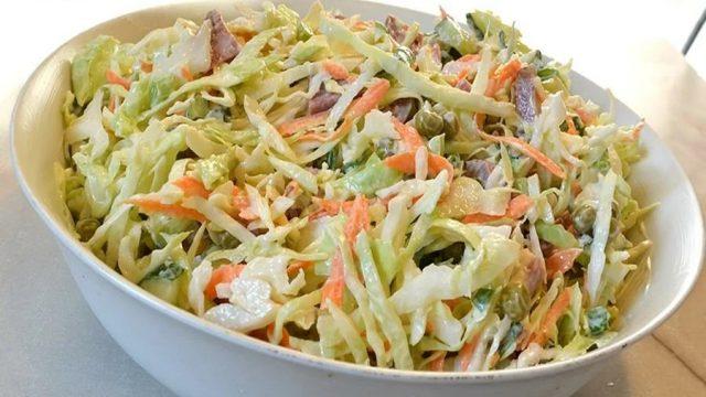 Салат с молодой капусты с соленым сыром