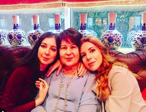 Екатерина Климова, Анна Семенович, Виктория Лопырева и другие звезды показывают фотографии своих мам