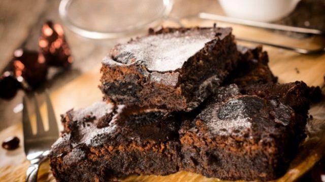 Однажды в Америке: 7 оригинальных рецептов десерта брауни